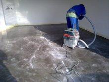 Vyčistíme a vysajeme plochu