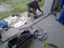 Instalujeme přechodový profil z garáže