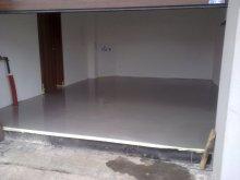 Aby byla podlaha v garáži rovná